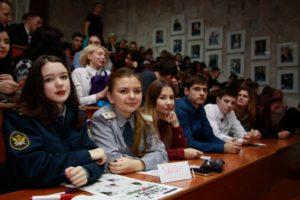 Школьники региона проверили свои знания юриспруденции на конкурсе в ВолГУ (2)